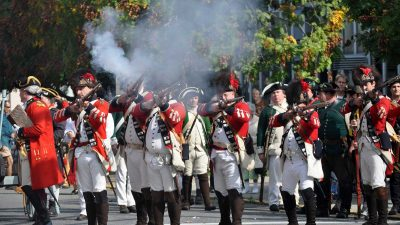 burning-of-kingston-reenactment-02
