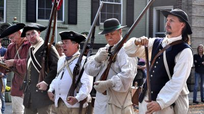 burning-of-kingston-reenactment-04