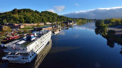 kingston-waterfront-boats